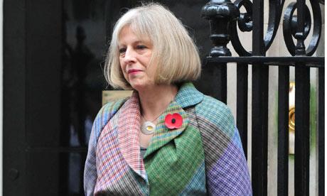 Theresa May renkli kaban