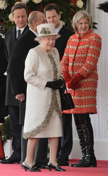theresa may ve kraliçe Elizabeth