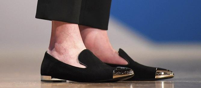 Theresa May slippers ayakkabı