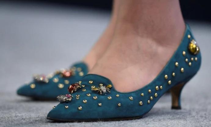 Theresa May böcekli ayakkabı