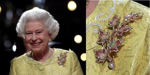 kraliçe kanada broşu
