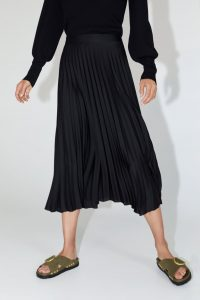 zara basic pleated skirt