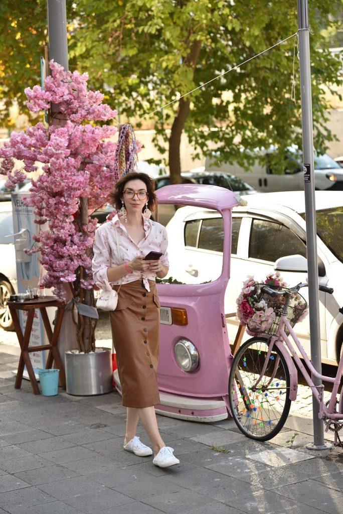 как носить розовый
