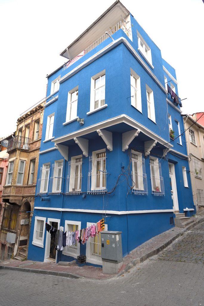 Balat'ta mavi ev