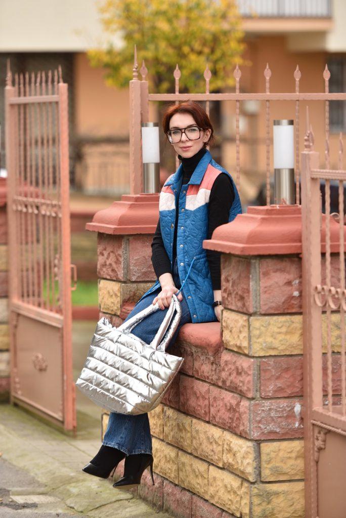 sokak modasından metalik çanta