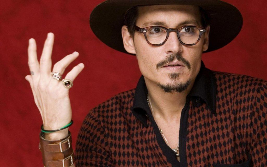 Johny Depp gözlük markası