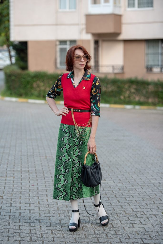 70's inspired fashion blogger
