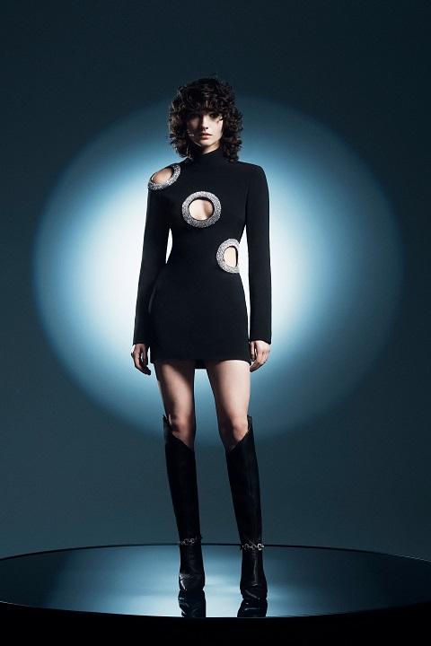 delikli elbise moda trendleri